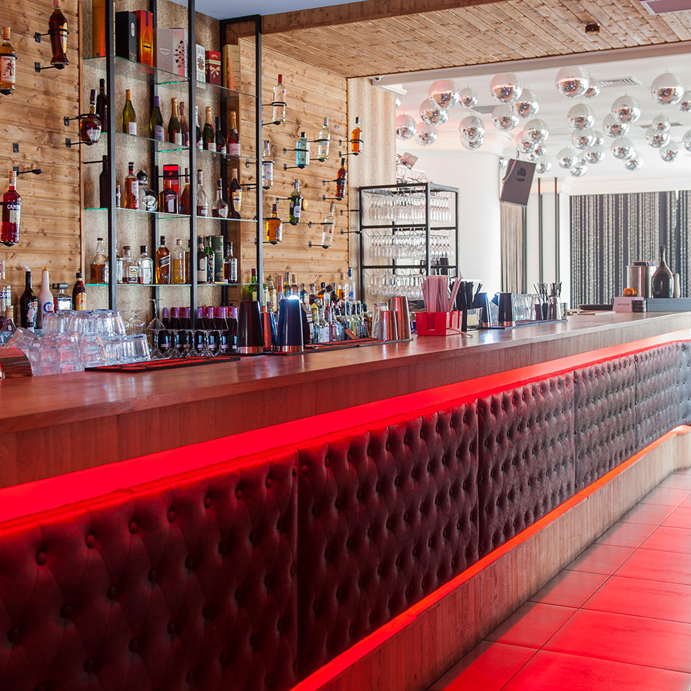 THE ONE CLUB AND LOUNGE